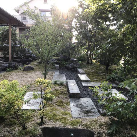 精華町の庭